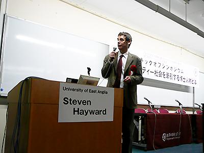 Hayward先生のショート・トーク