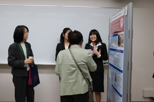 Poster Session by program students 4