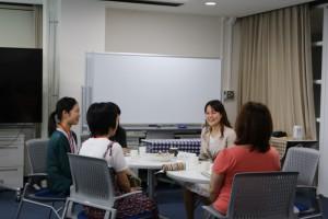 講師と履修生とのテーブルトーク